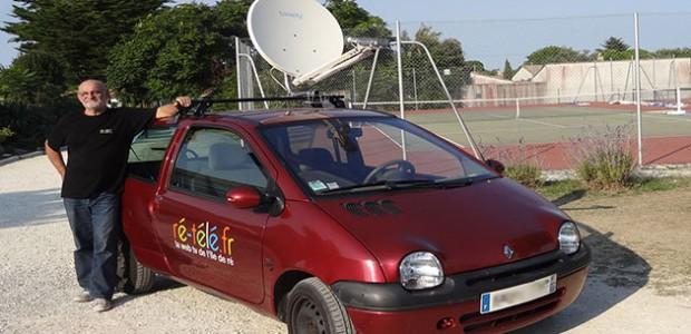 Voiture Ré-télé avec parabole de retransmission en direct