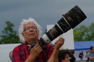 François Blanchard et son appareil photo à fort téléobjectif