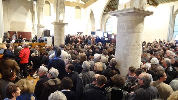 Le public venu fêter la victoire de Jean-François Fountaine, élu maire de La Rochelle