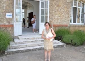 Corinne Imbert, en charge de l'action sociale au Conseil général, devant la nouvelle Maison de la Charente-Maritime, Pays Rochelais-Ré-Aunis