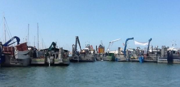 Blocage du port des Minimes (La Rochelle) par les conchyliculteurs (mytiliculteurs et ostréiculteurs)