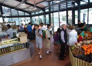 La halle du marché de Rivedoux, place de la République