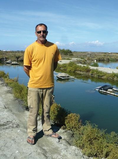 Pascale Simaillaud élève des huîtres de marais à Ars en Ré