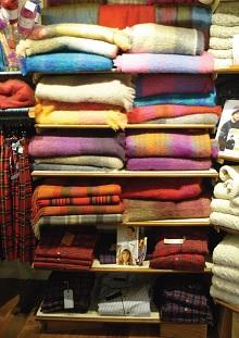 Vêtements, plaids Le comptoir irlandais (La Rochelle). idées cadeaux