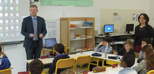 Parlement des enfant (Le Bopis-Plage-en-Ré) : Olivier Falorni a répondu a de nombreuses questions des enfants