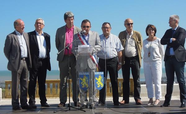 Inauguration par les élus du nouveau centre-bourg et de l'esplanade de Rivedoux-Plage