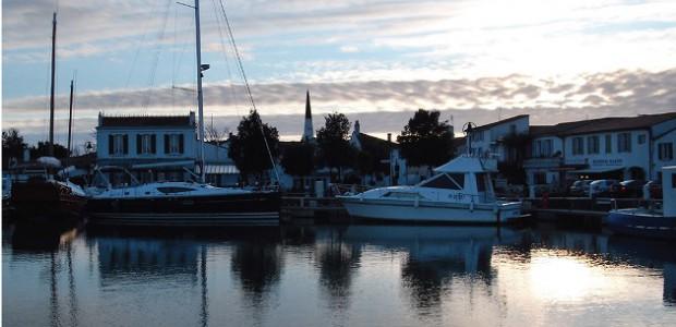 La capitainerie d'Ars veille sur les très nombreux bateaux du port d'Ars-en-Ré