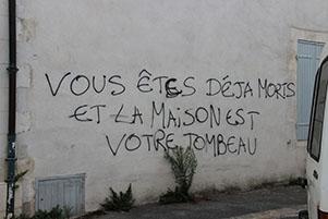 Petite rue Mérindot : grafiti