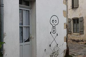 Rue Durand et Bernicard : tête de mort