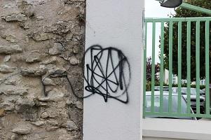 Les murs de St Martin vandalisés par les tagueurs