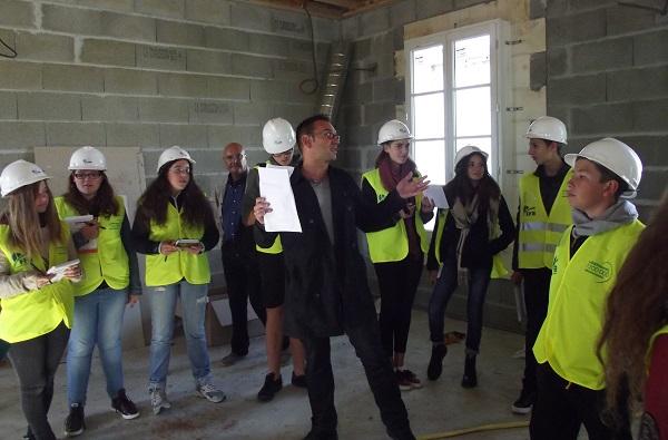Le bâtiment de la mairie d'ars (île de Ré) a intéressé les jeunes