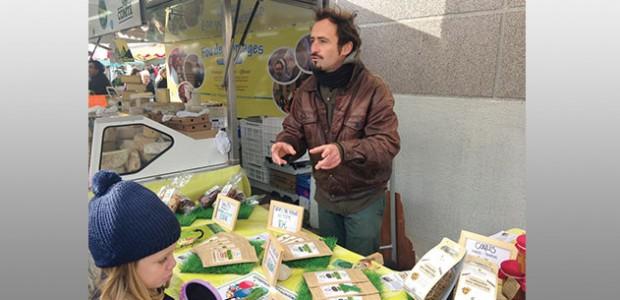 Tristant de Pelseneer explique les bienfaits de la consommation d'insectes. (La Rochelle)