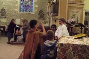 Les enfants du catachisle jouent François d'assise
