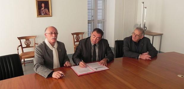Convention Lions Club île de Ré pour la lutte contre la maldaie d'Alzheimer à l'ho^pital de St Martin