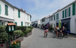 Les Portes-en-Ré, une commune atypique qui se bat pour vivre à l'année