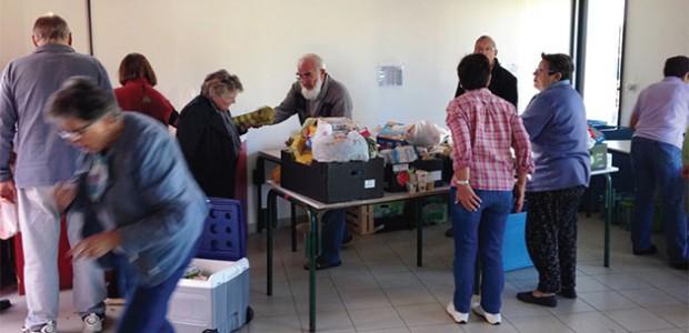 Les bénévoles de la banque alimentaire (île de Ré) , présents sans relâche, pour répondre aux besoins des défavorisés.