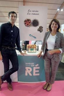 Guillaume Barny et Gisèle Vergnon soutiennent les produits du terroir de Saveurs en Ré