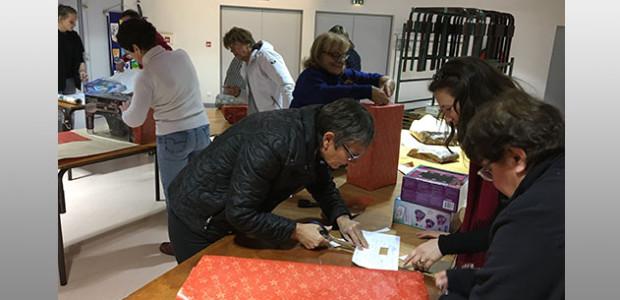 Cadeaux de noël par Ré Solidarité et le Rotary Club de l'île