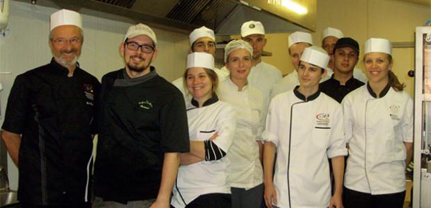 Les Confitures du Clocher à Ars ont été l'objet d'une visiste d'entreprise de la part des apprentis pâtissiers