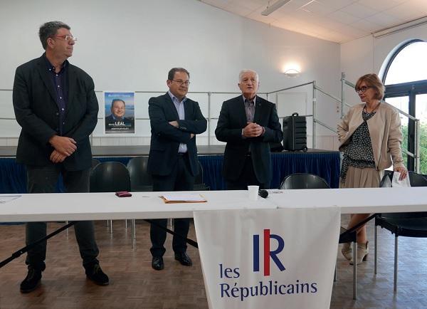 Bruno Léal (2e) est candidat pour être député de la Rochelle (législatives 2017)