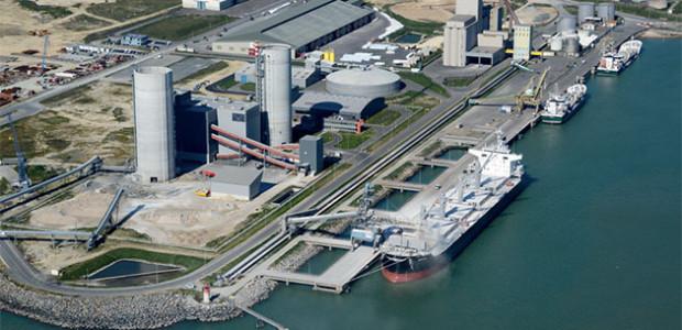 Vue aérienne du Centre de Broyage Eqiom de La Rochelle