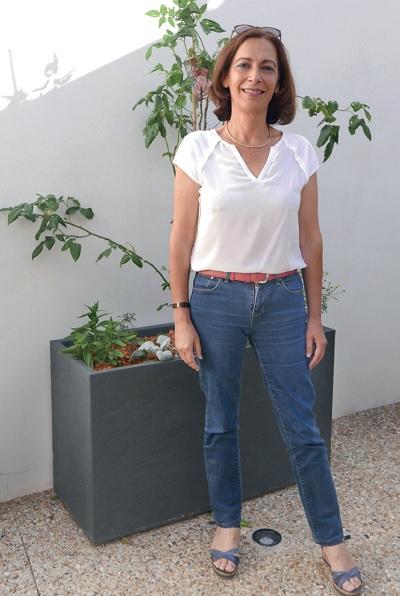 Otilia Ferreira débat dans le cadtre du secont tour des élections législatives à La Rochelle