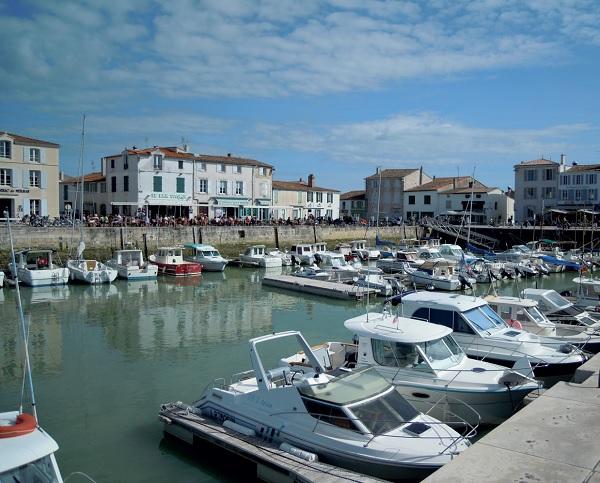 Le Port de La Flotte, pittoresque, touristique et animé © Marie La Flotte