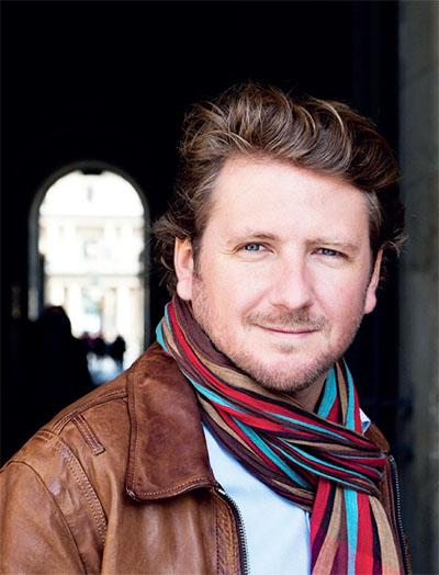 portrait de l'auteur François-Xavier Dillard pour le salon L'Ile aux livres du Bois Plage en Ré