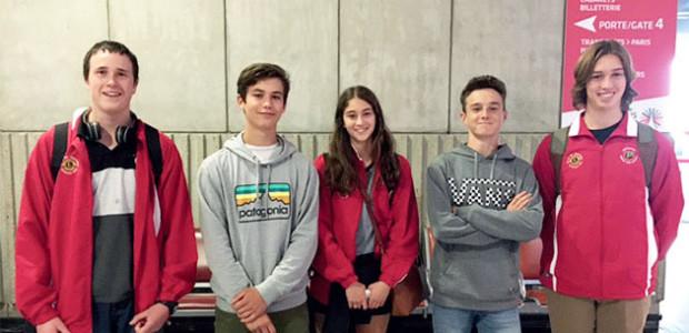 jeunes Australiens à l'aéroport de Paris CDG dans le cadre des échanges scolaires - Ile de Ré