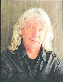 portrait de l'auteur Franck Linol pour le salon l'Ile aux Livres du Bois Plage en Ré