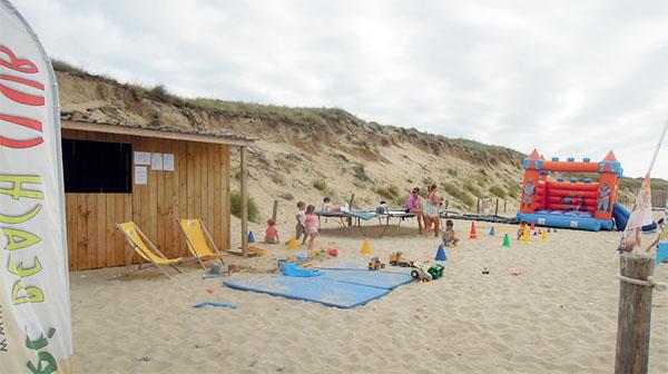 Le club de plage des Gollandières