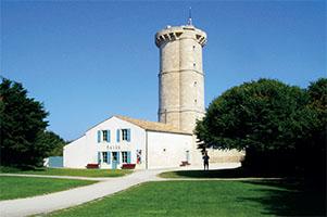Le musée et la tour des Baleines