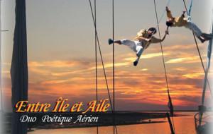 Un spectacle original d'acrobatie aérienne à bord d'un voilier