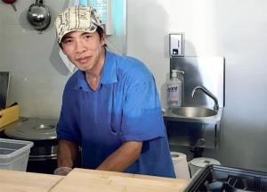 Entre boulangerie et presse, impossible de rater Season Sushis !