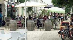 Terrasses et promenade sur le Cours des Tilleuls