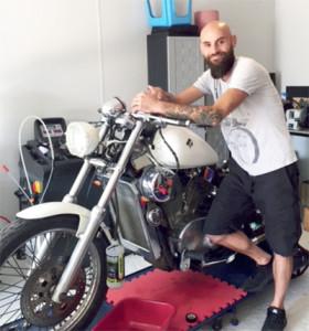 Tanguy Ribeiro motard passionné vous attend pour réparer vôtre 2 roues ou stocker votre jet ski !