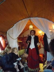 Anastasia raconte les légendes bohémiennes aux enfants