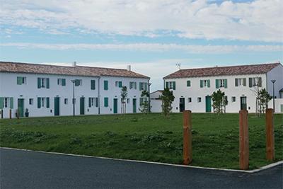 Un vaste espace de vie sociale, ouvert à tous les Boitais, au centre du site.