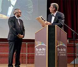 Le Secrétaire général de la Préfecture et sous-Préfet de La Rochelle-île de Ré est très présent pour l'île et travaille main dans la main avec le Président et les équipes de la CdC et les Maires rétais.